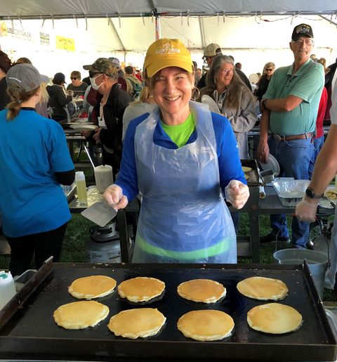 Iowa town cooks up 14,280 pancakes for Guinness World Record
