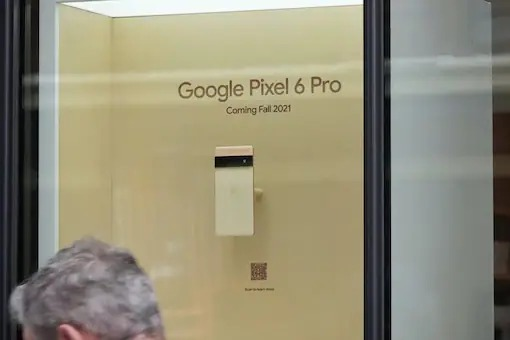 Google Pixel 6 Series Spotted on Display At Google Store in New York City